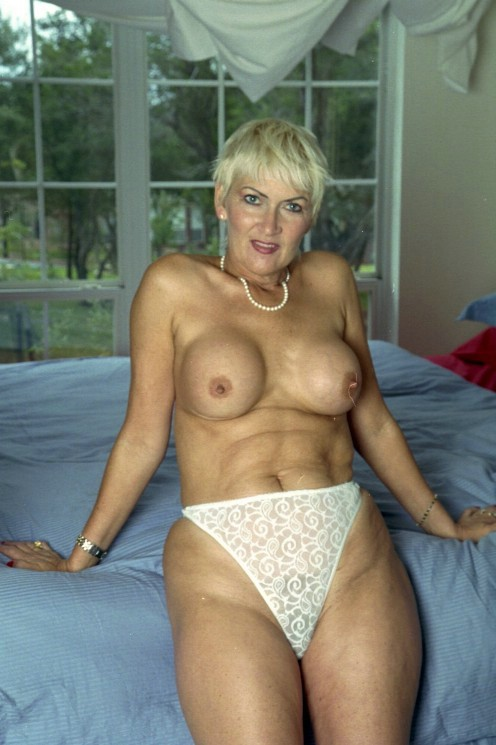 Mature xl breasts